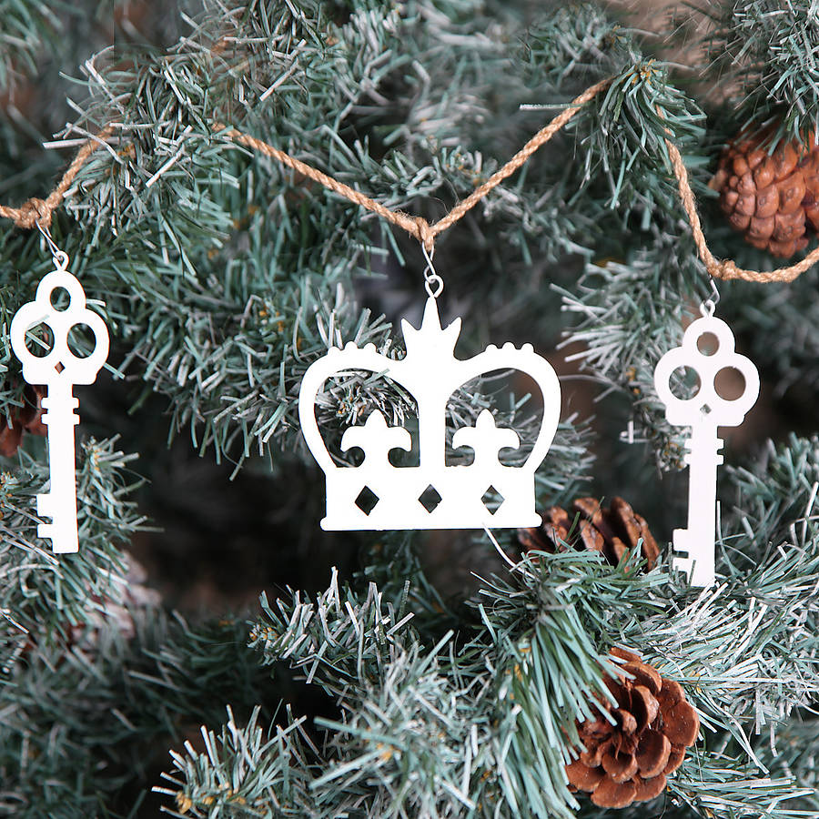 original_christmas-crown-and-key-garland